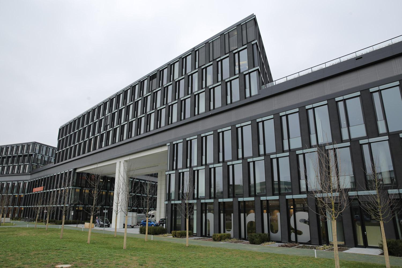 Nurus sorgt bei deutschen designern und architekten mit der er ffnung des neuen showrooms in - Bekannte architekten ...