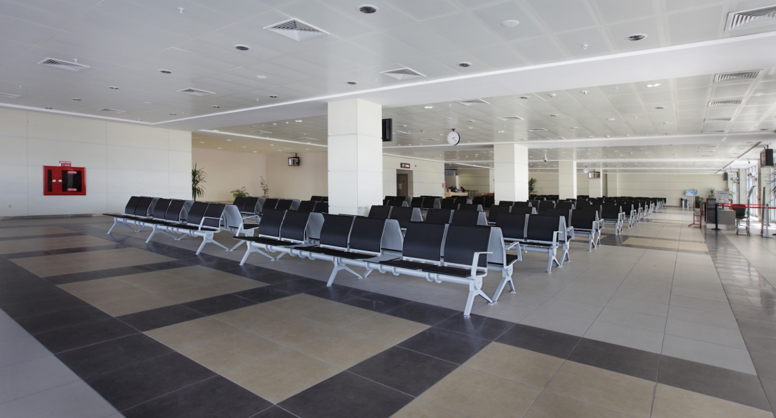 Antalya Havaalani Musteriler 2